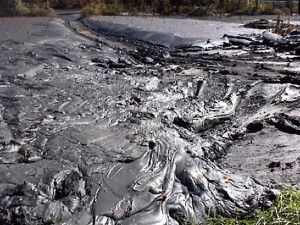 Coal sludge spill on Kentucky's Big Sandy River, October 2000.  Photo courtesy of West Virginia Blue.