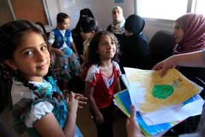 refugee_children_from_syria_at_a_clinic_in_ramtha2c_northern_jordan_28961347726329