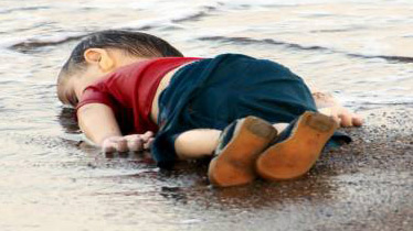 twelve-syrians-drown-heading-from-turkey-to-greek-island-1441235628-2607