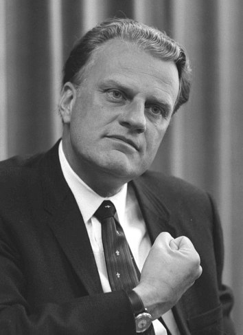 800px-Billy_Graham_bw_photo,_April_11,_1966
