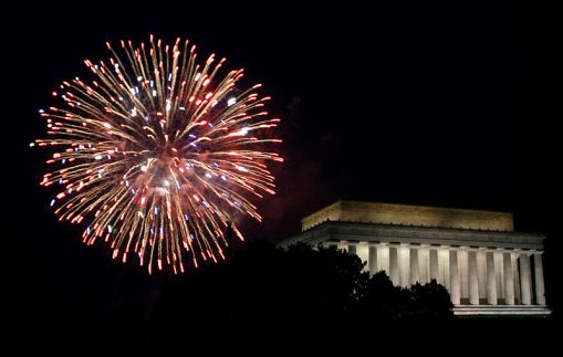 fireworks by Lincoln Memorial