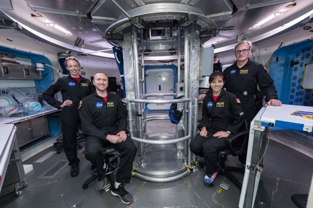 Official crew photos for HERA Campaign 4 Mission 5. Photo Date: May 4, 2018. Location: Building 220 - HERA module. Photographer: Robert Markowitz